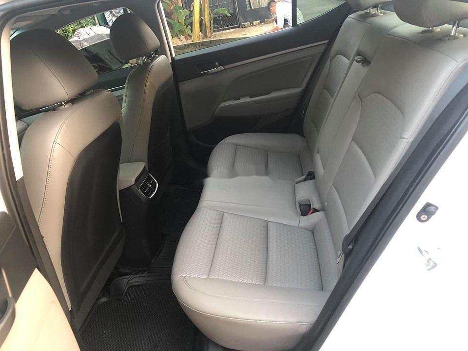 Bán Hyundai Elantra GLS năm sản xuất 2016, màu trắng số tự động  (6)