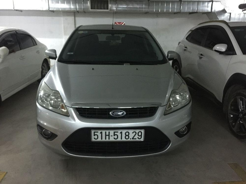 Bán xe Ford Focus 2010, màu bạc, chính chủ, giá cạnh tranh (2)
