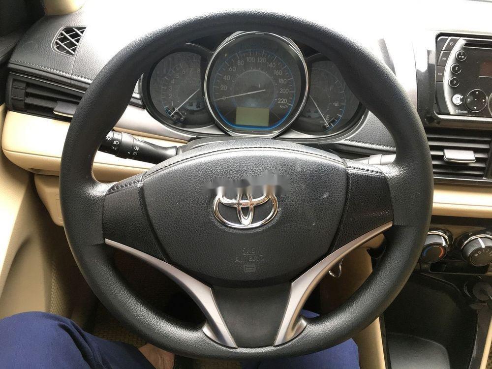 Cần bán gấp Toyota Vios E 2017, màu đen, giá tốt (9)