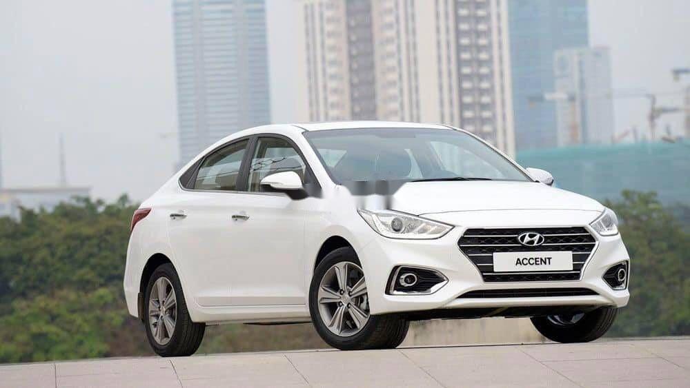 Cần bán xe Hyundai Accent 2019, màu trắng, giá tốt (4)