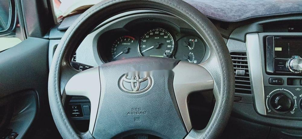 Bán Toyota Innova MT sản xuất năm 2013 (6)