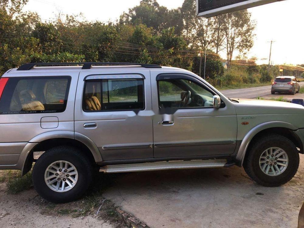 Cần bán lại Ford Everest năm 2006, màu bạc, số sàn, giá cạnh tranh (5)
