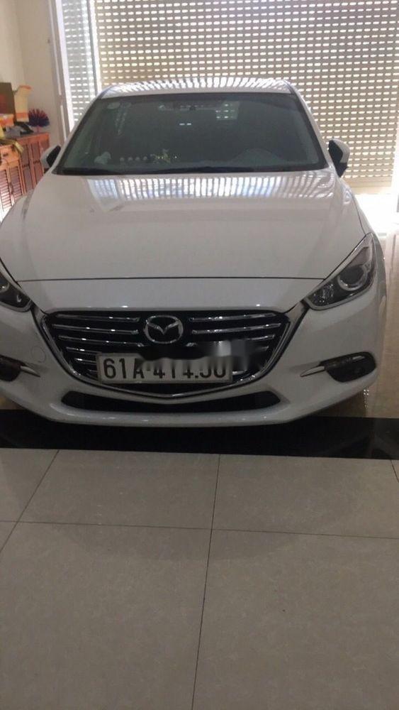 Cần bán lại xe Mazda 3 sản xuất 2017, màu trắng giá tốt (4)