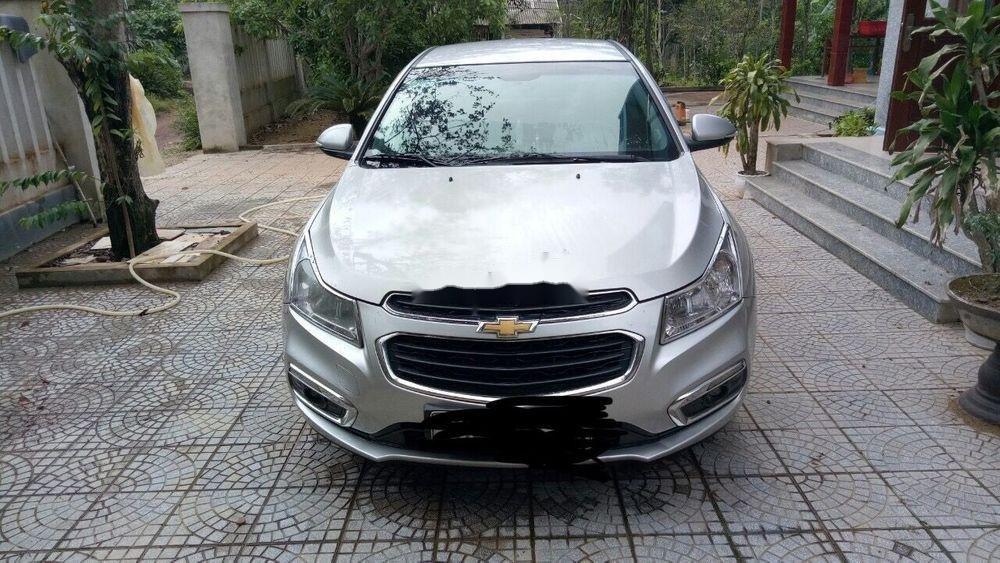 Cần bán gấp Chevrolet Cruze đời 2015, màu bạc chính chủ (1)