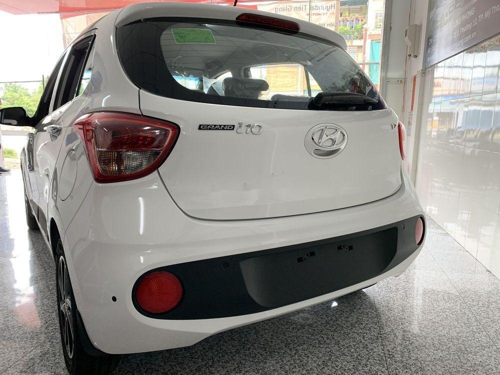 Bán Hyundai Grand i10 sản xuất 2019, màu trắng, 330 triệu (5)