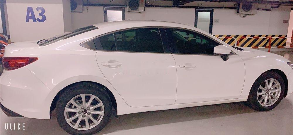 Cần bán xe cũ Mazda 6 năm sản xuất 2017, màu trắng như mới (4)