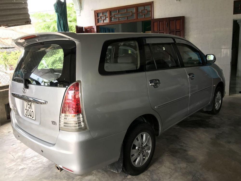 Bán xe cũ Toyota Innova năm sản xuất 2009, màu bạc (4)