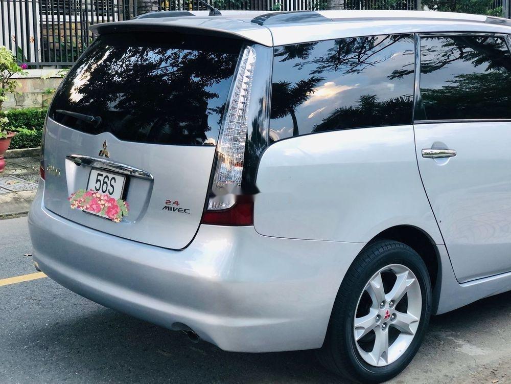 Bán Mitsubishi Grandis năm 2010, giá tốt (6)