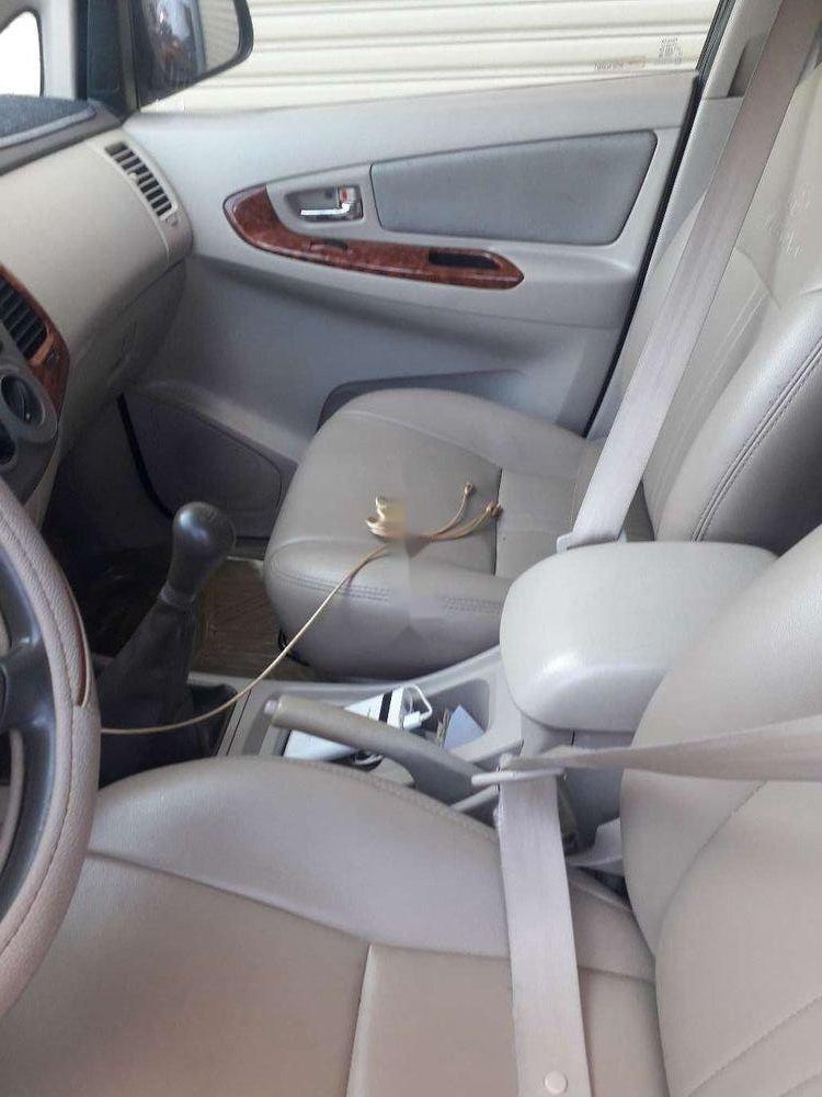 Cần bán Toyota Innova đời 2007, màu bạc, nhập khẩu, xe gia đình (7)