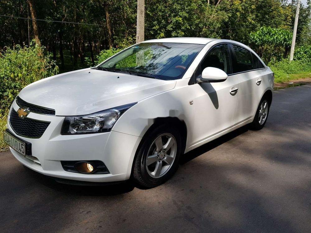 Cần bán lại xe Chevrolet Cruze MT đời 2013, màu trắng, giá 326tr (4)