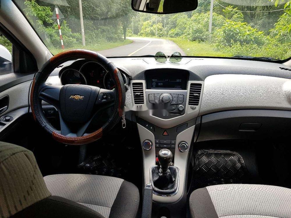 Cần bán lại xe Chevrolet Cruze MT đời 2013, màu trắng, giá 326tr (5)