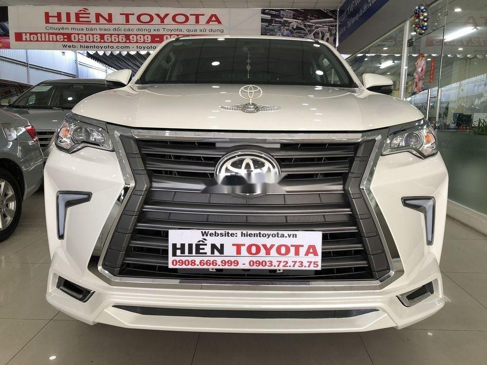 Cần bán xe Toyota Fortuner năm sản xuất 2019, màu trắng, nhập khẩu (6)