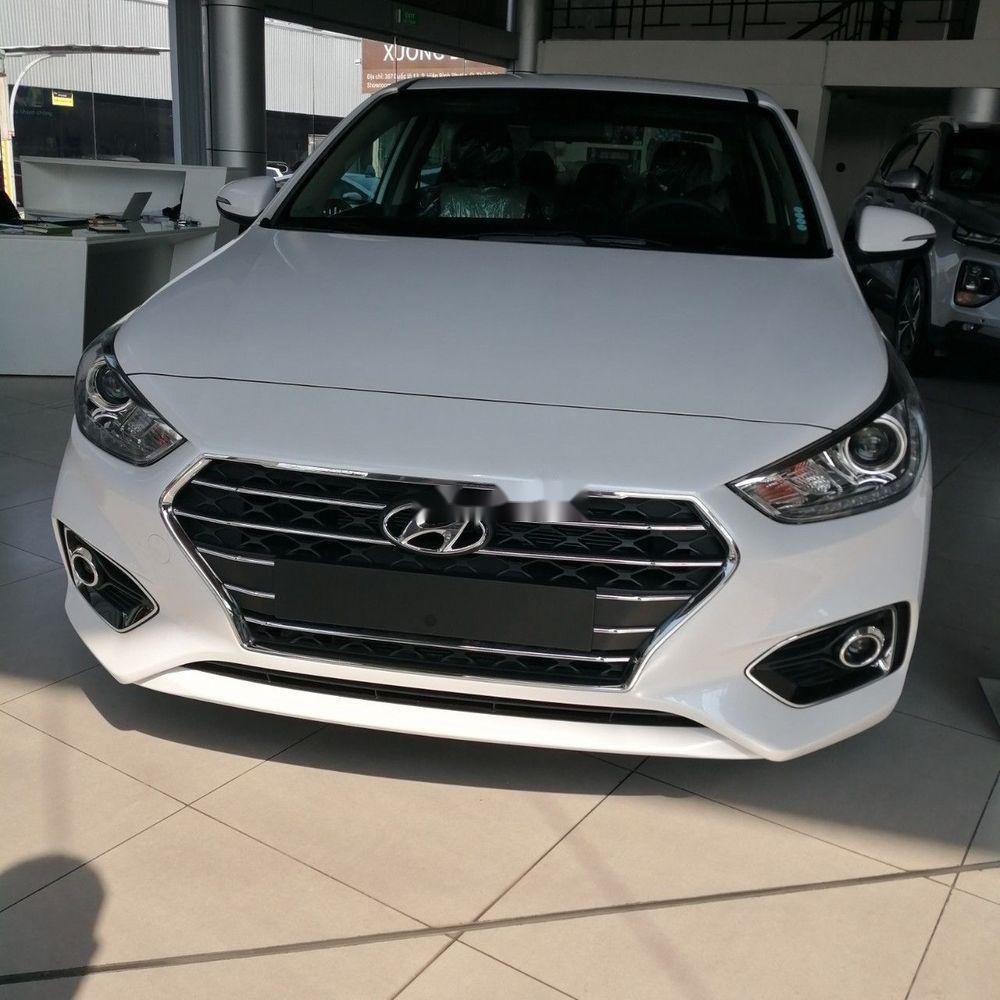 Bán xe Hyundai Accent sản xuất năm 2019, màu trắng (1)