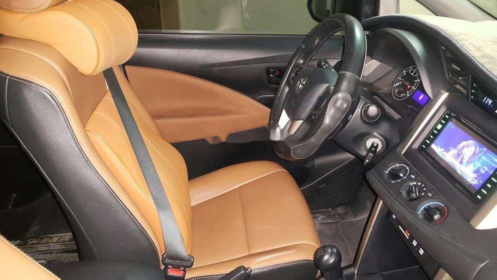 Bán ô tô Toyota Innova năm 2017, màu đồng ánh kim (4)