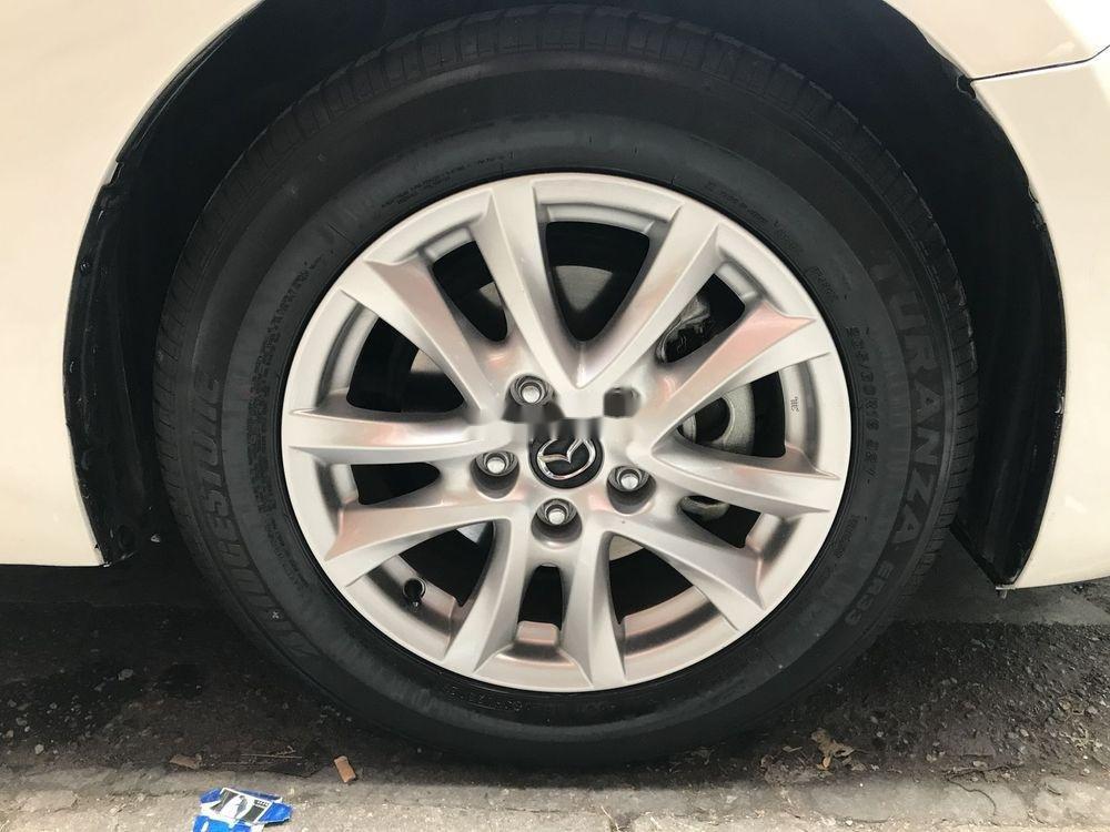Bán Mazda 3 AT đời 2015, màu trắng chính chủ giá cạnh tranh (6)