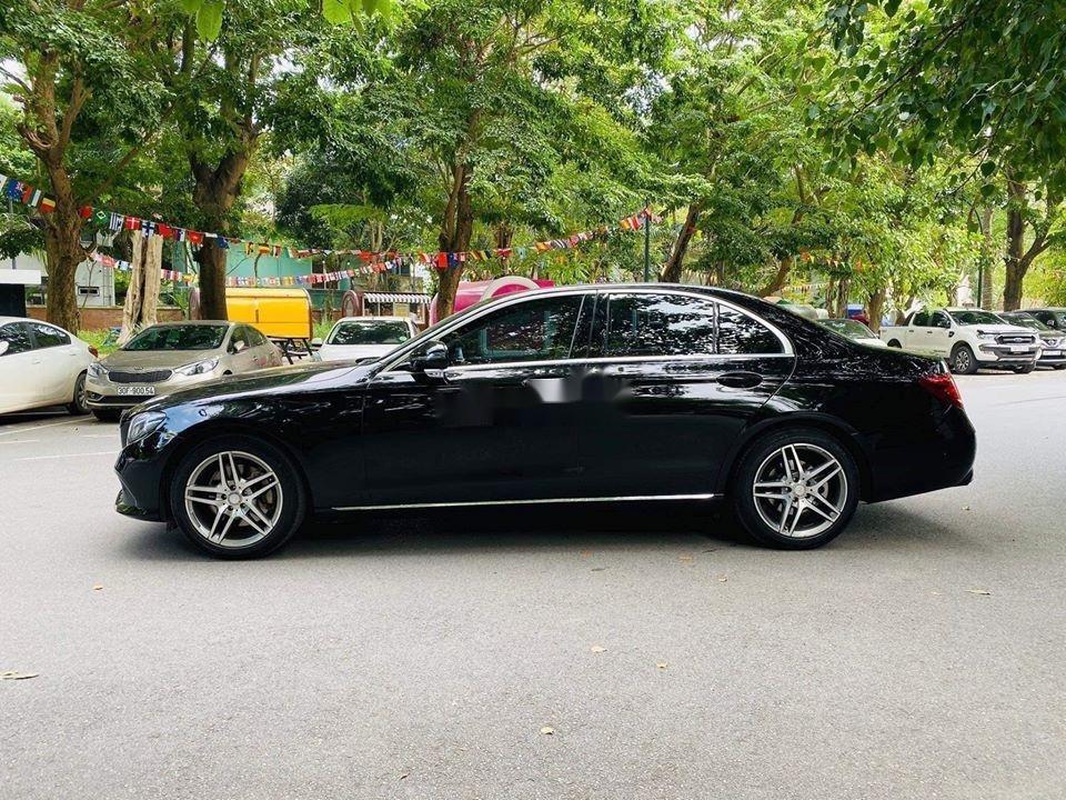 Cần bán gấp Mercedes E250 sx 2017, màu đen (2)