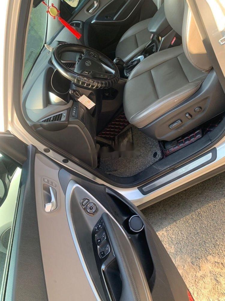 Bán Hyundai Santa Fe AT đời 2016, màu bạc (8)