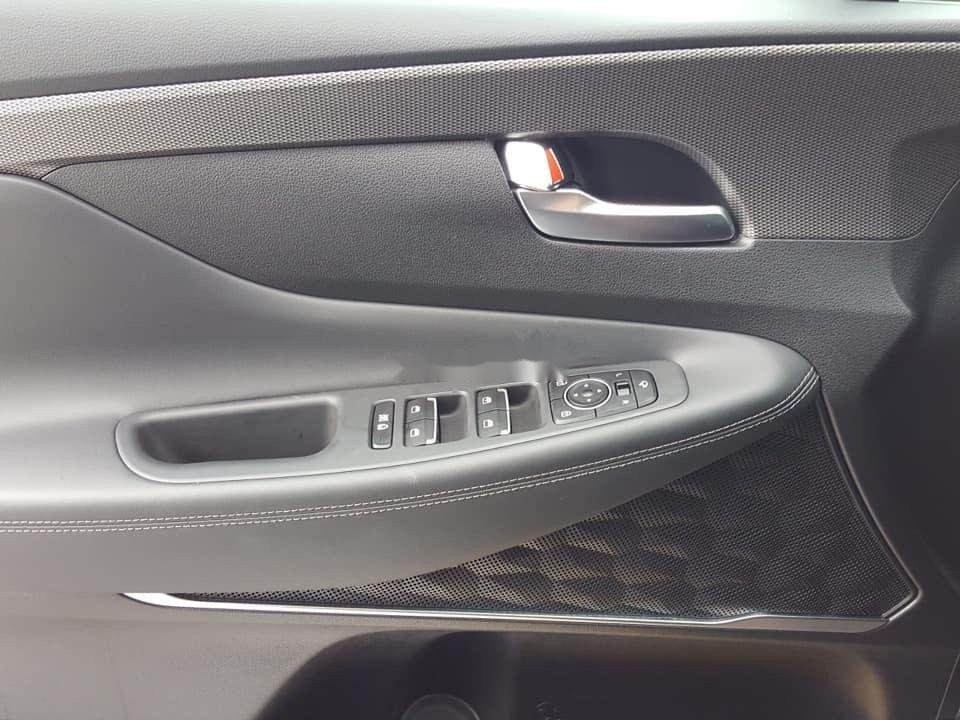 Bán Hyundai Santa Fe năm sản xuất 2019, màu trắng, giá chỉ 995 triệu (12)