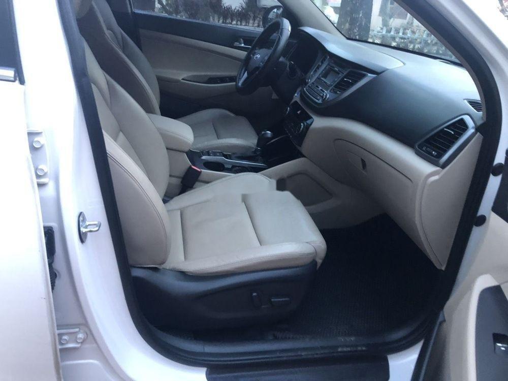 Bán Hyundai Tucson 2.0 2016, màu trắng, nhập khẩu xe gia đình (7)