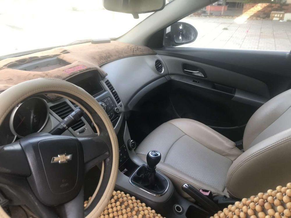 Bán Chevrolet Cruze 2011, màu trắng như mới (5)