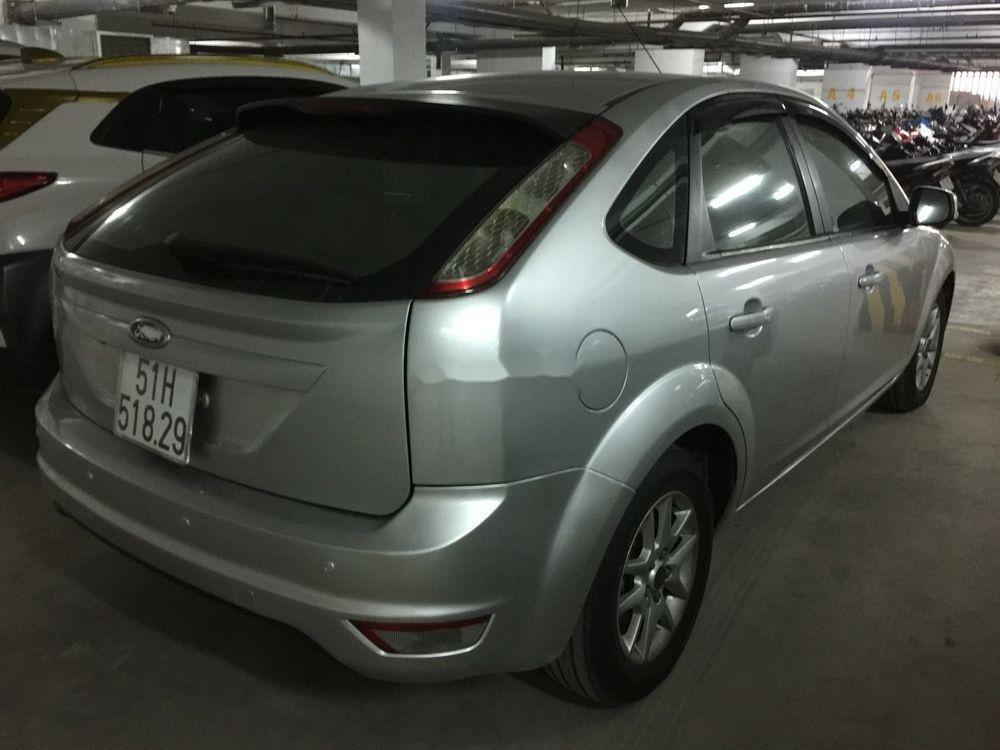 Bán xe Ford Focus 2010, màu bạc, chính chủ, giá cạnh tranh (6)