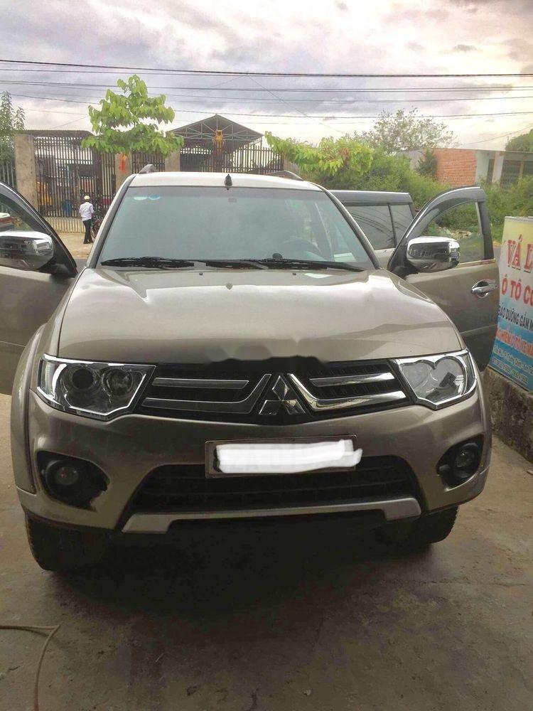 Cần bán lại xe Mitsubishi Pajero AT năm 2014 chính chủ (1)
