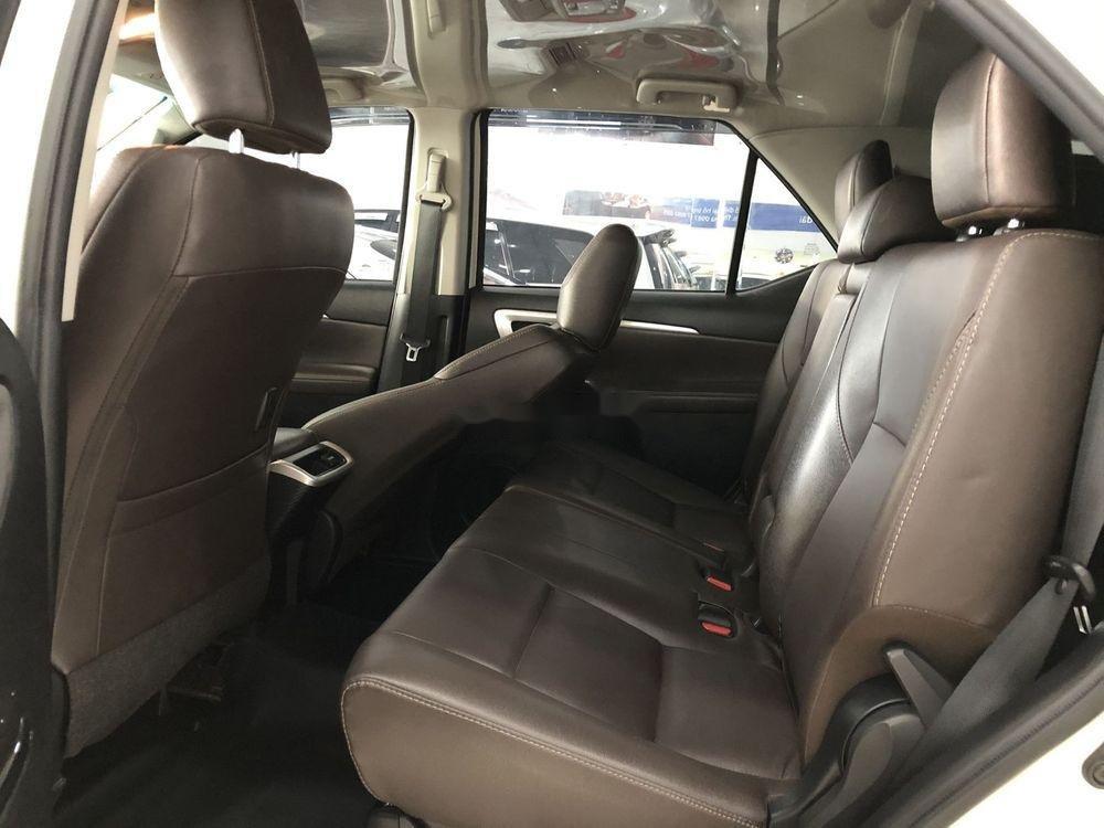 Cần bán xe Toyota Fortuner năm sản xuất 2019, màu trắng, nhập khẩu (9)