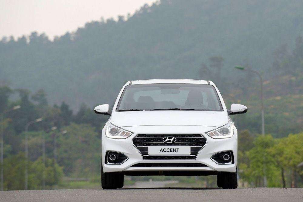 Cần bán xe Hyundai Accent 2019, màu trắng, giá tốt (1)