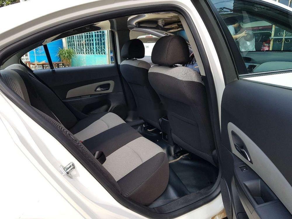 Cần bán lại xe Chevrolet Cruze MT đời 2013, màu trắng, giá 326tr (9)