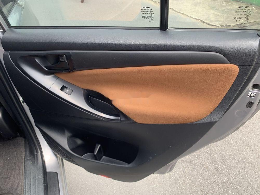 Bán xe Toyota Innova đời 2017, màu bạc số sàn, 625tr (11)