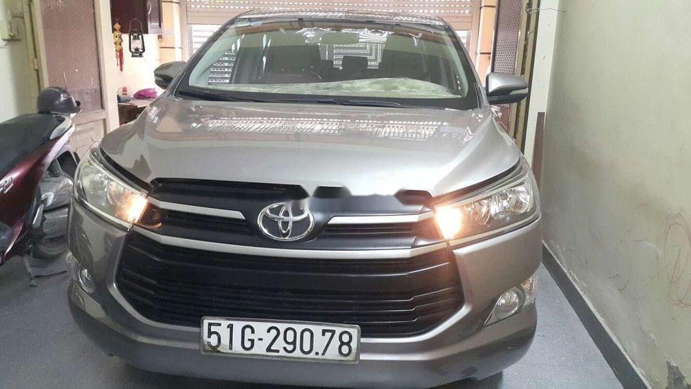 Bán ô tô Toyota Innova năm 2017, màu đồng ánh kim (1)