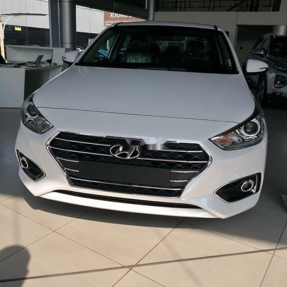 Bán xe Hyundai Accent sản xuất năm 2019, màu trắng (2)