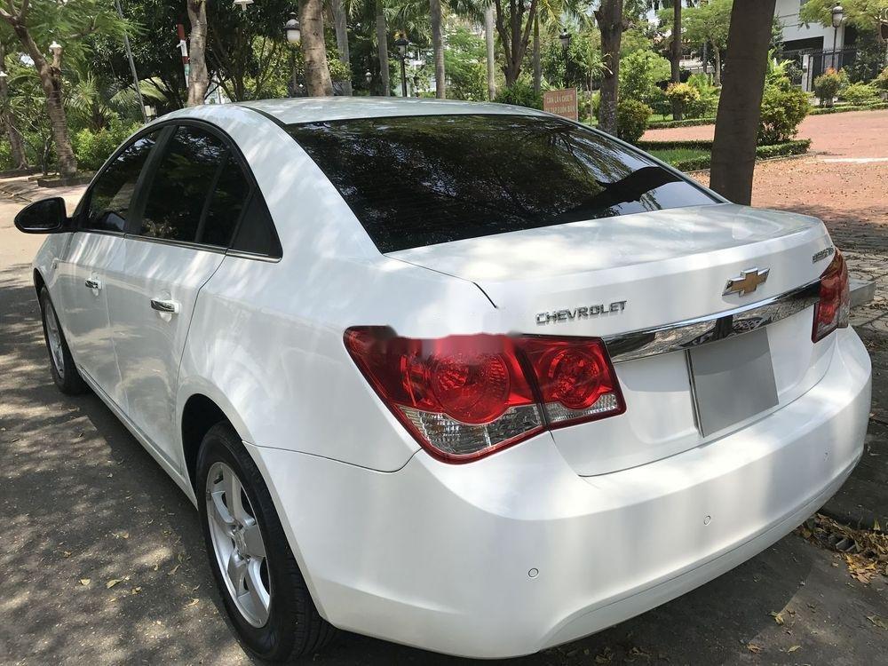Bán Chevrolet Cruze đời 2014, màu trắng số sàn (6)