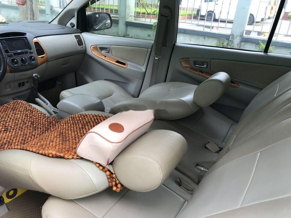 Cần bán Toyota Innova G đời 2010, màu bạc, nhập khẩu nguyên chiếc còn mới, giá chỉ 365 triệu (12)