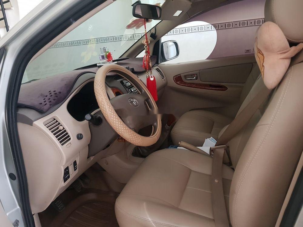 Cần bán Toyota Innova đời 2008, màu bạc, xe gia đình, 330tr (3)