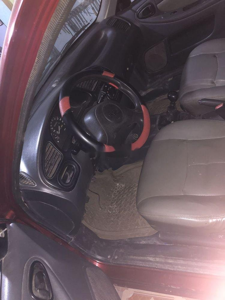 Cần bán xe Daewoo Lanos đời 2001, màu đỏ, nhập khẩu nguyên chiếc (4)