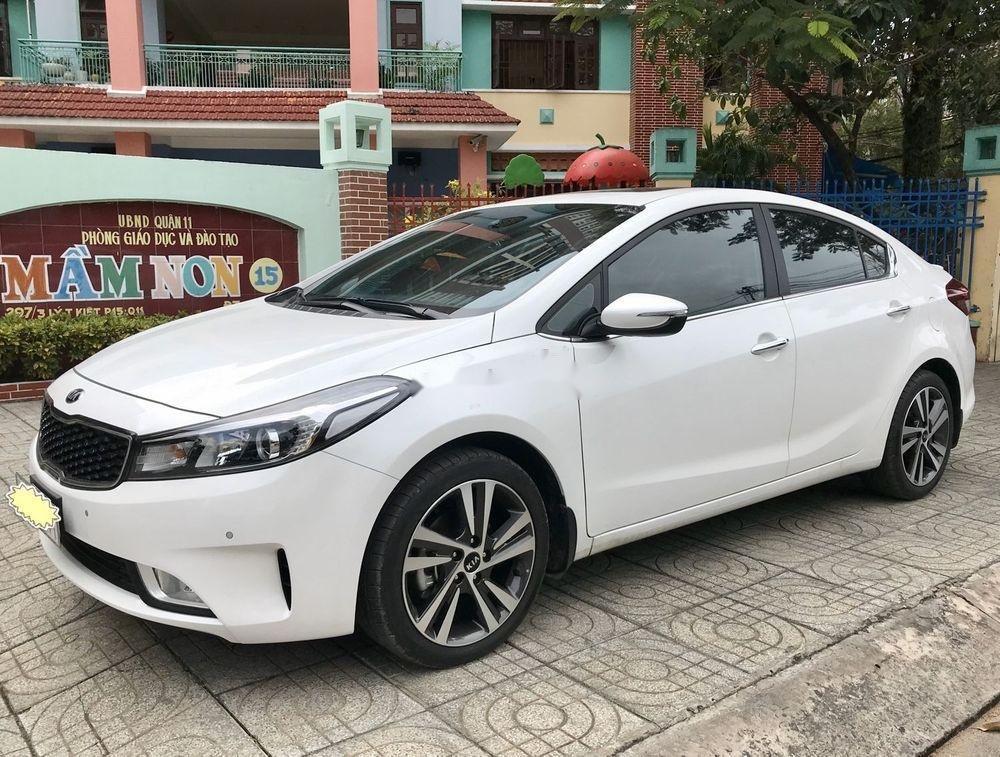Cần bán gấp Kia Cerato 1.6 AT 2018, màu trắng số tự động, giá tốt (3)