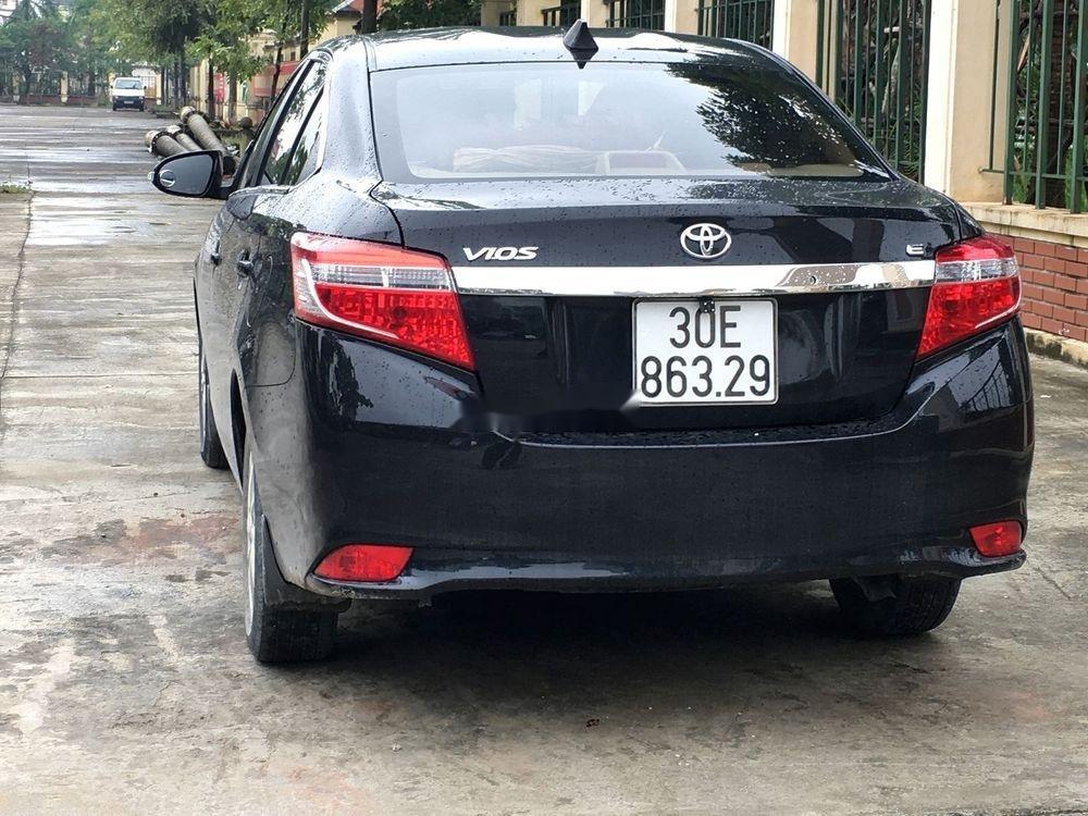 Cần bán gấp Toyota Vios E 2017, màu đen, giá tốt (2)