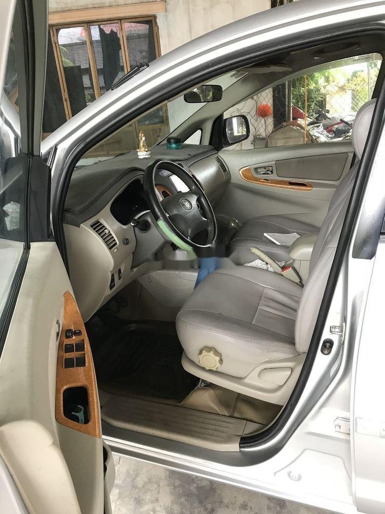 Bán xe cũ Toyota Innova năm sản xuất 2009, màu bạc (3)