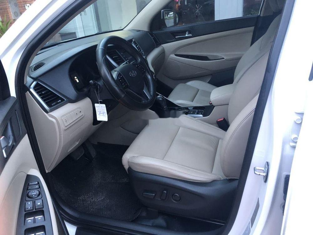 Bán Hyundai Tucson 2.0 2016, màu trắng, nhập khẩu xe gia đình (4)