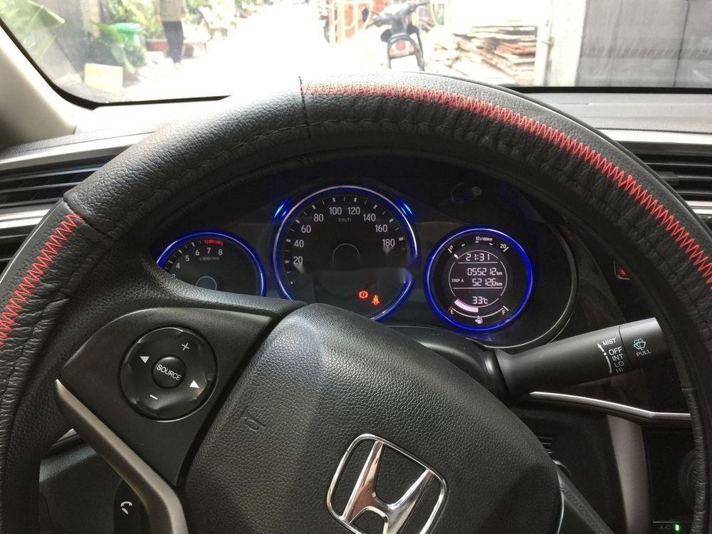 Bán Honda City năm 2016, màu trắng còn mới (8)