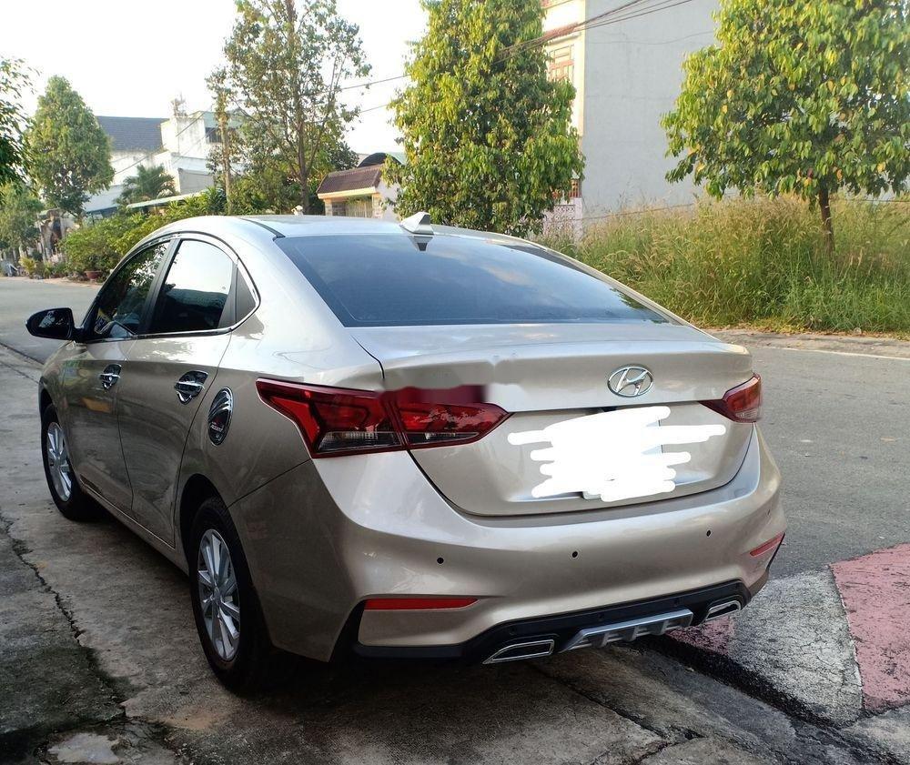 Cần bán lại xe Hyundai Accent sản xuất 2019, xe nhập, số sàn (1)