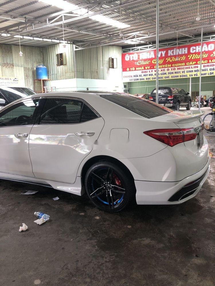 Cần bán xe Toyota Corolla Altis năm 2016, màu trắng (2)