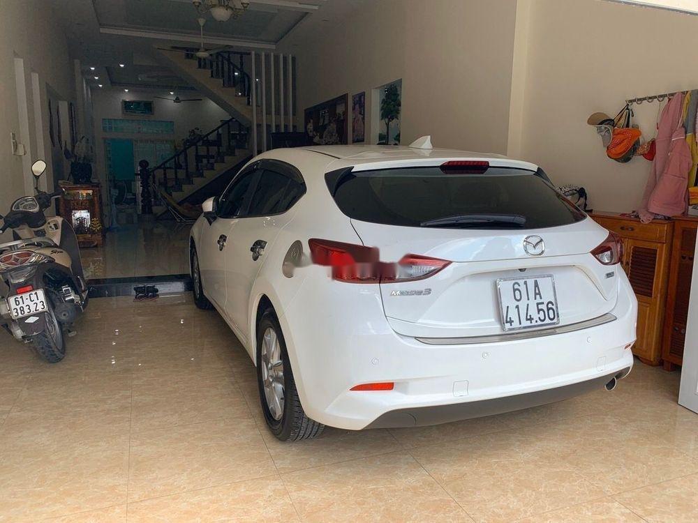 Cần bán lại xe Mazda 3 sản xuất 2017, màu trắng giá tốt (3)