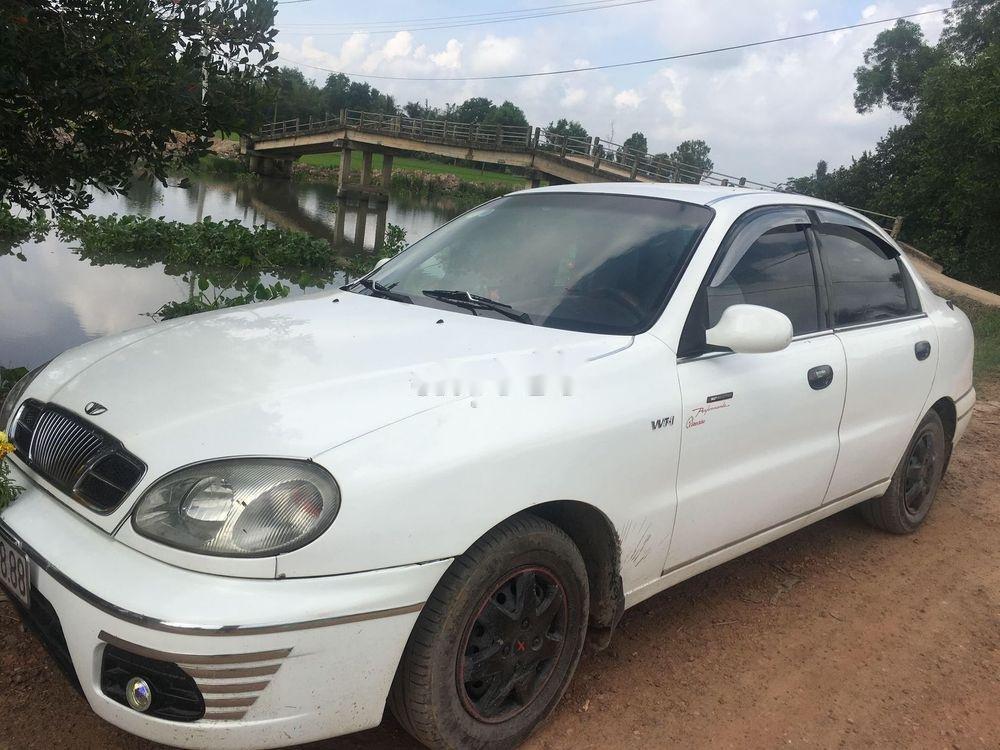 Bán Daewoo Lanos MT năm sản xuất 2002, màu trắng, xe nhập, giá chỉ 80 triệu (1)
