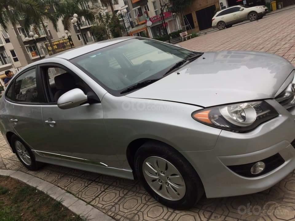 Cần bán Hyundai Avante đăng ký lần đầu 2015, màu bạc nhập khẩu nguyên chiếc giá chỉ 355 triệu đồng (1)