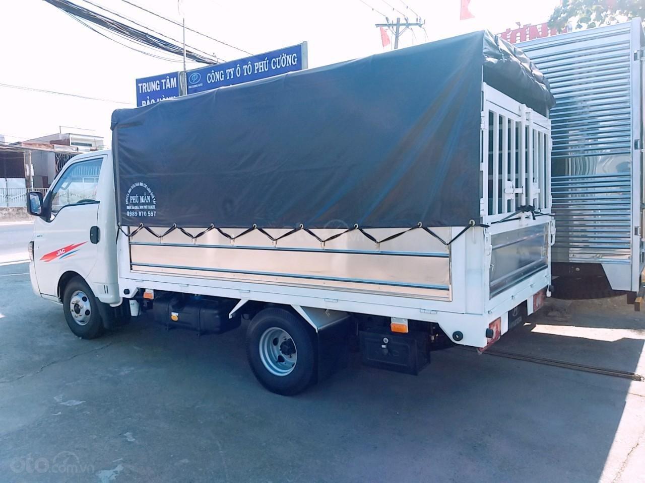 Cần bán JAC X99 2019 Euro 4, màu bạc, giá tốt, thùng dài 3m2 (5)