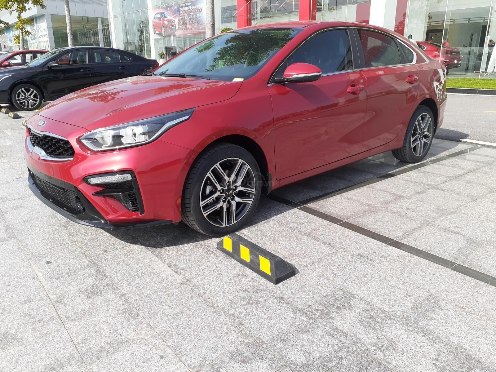 Bán Kia Cerato 2019, đủ màu, có xe ngay, trả góp 90% giá trị xe, liên hệ: 0917096288 (2)