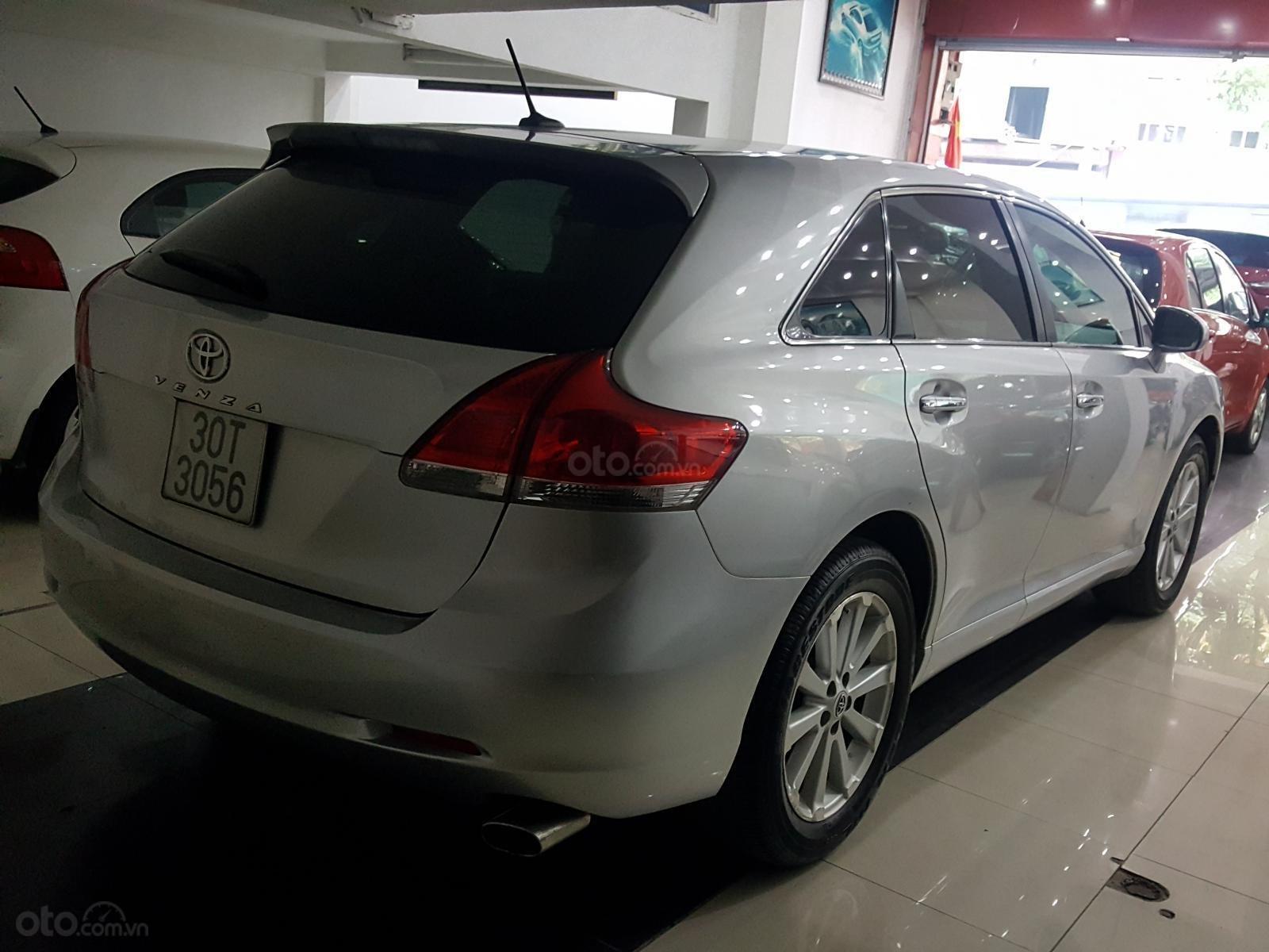 Cần bán Toyota Venza sản xuất 2009 bản full kịch, 1 chủ đi từ mới (2)