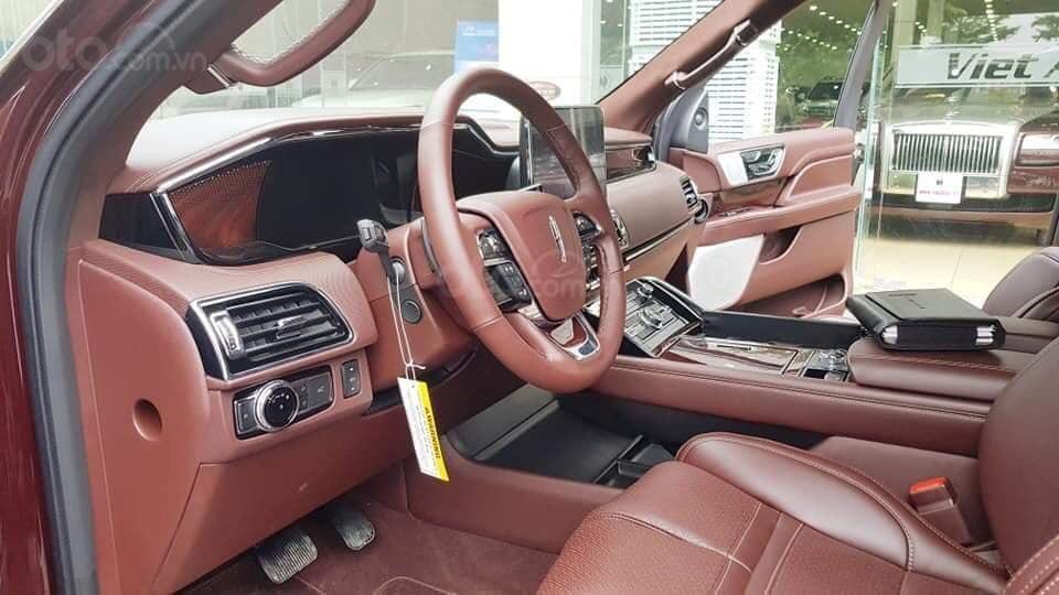 Cần bán Lincoln Navigator sx 2019, màu đỏ, xe nhập (6)